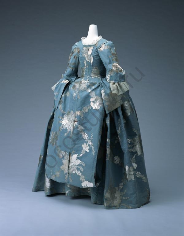 Платье 18 века описание